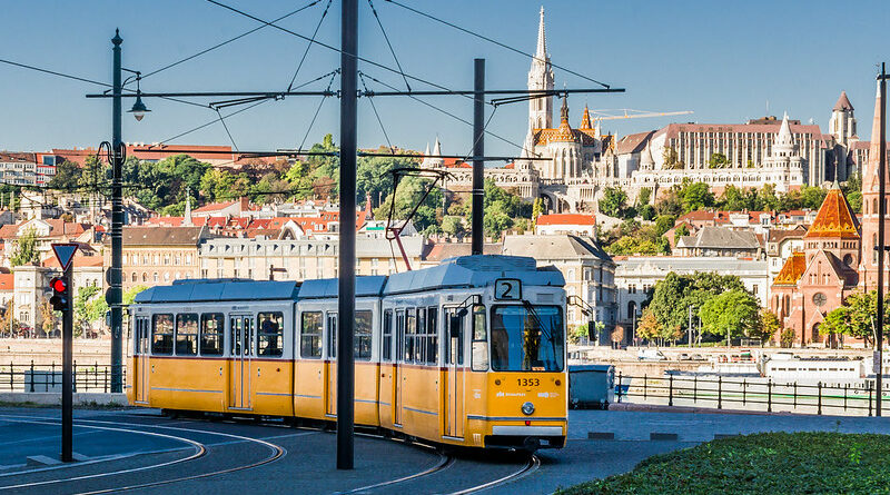 Budapest Danube Attractions Tram 2 Rob Reining