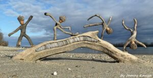 Tamas Kanya Driftwood Art by travelzona